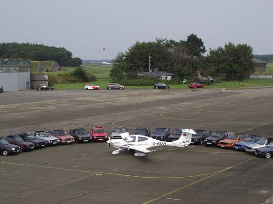 Miesmuscheltour 2013 , Flugplatz Schwesing